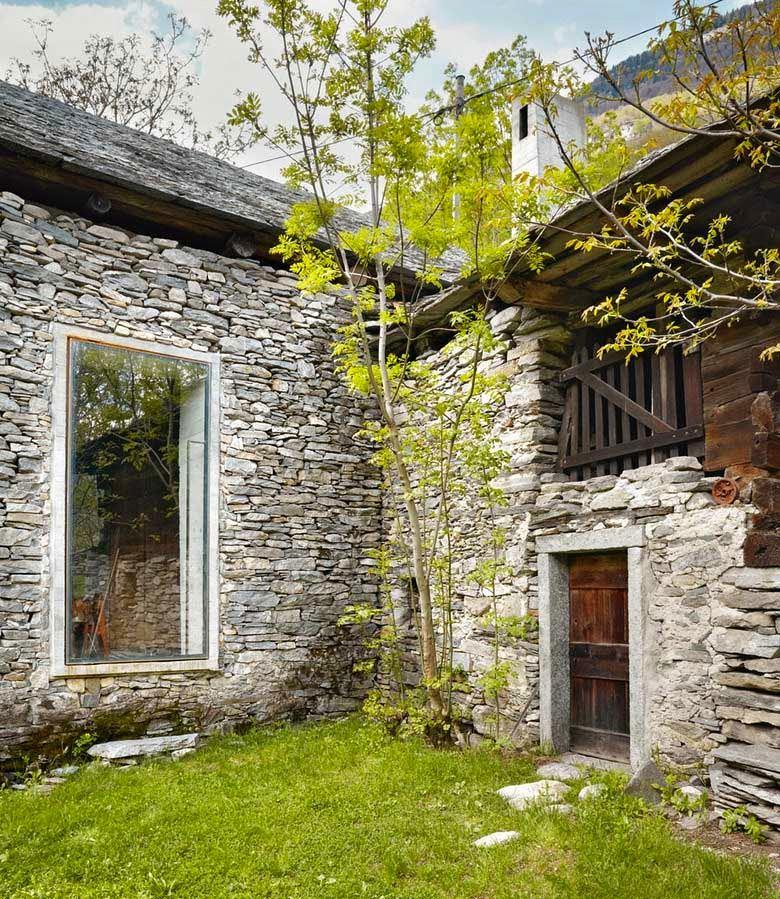 Архитектура в цветах: серый, светло-серый, темно-зеленый, коричневый, бежевый. Архитектура в стилях: классика, этника, экологический стиль, неоготика.