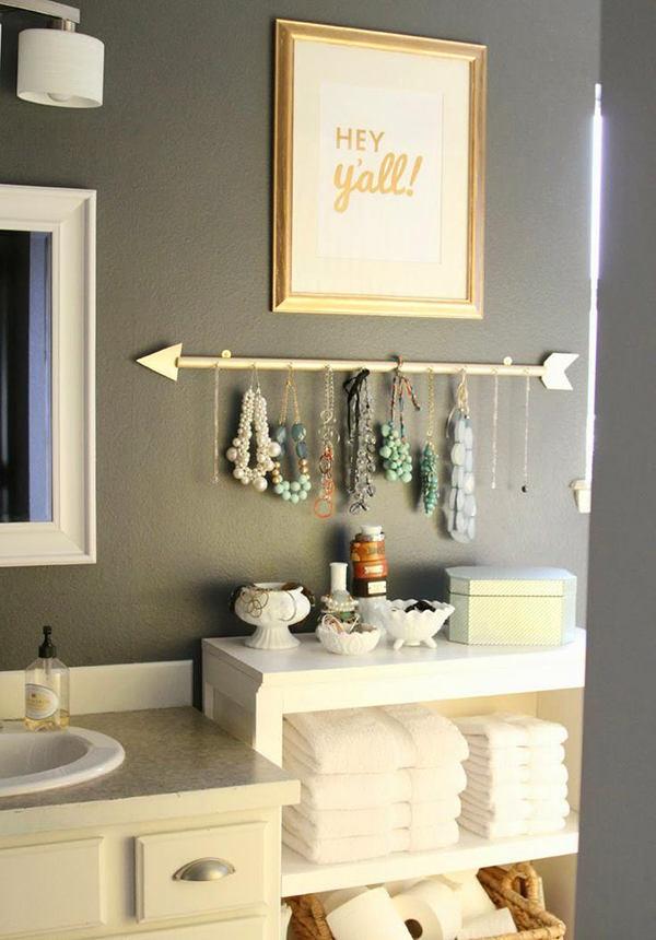 Мебель и предметы интерьера в цветах: серый, светло-серый, бежевый. Мебель и предметы интерьера в стиле эклектика.