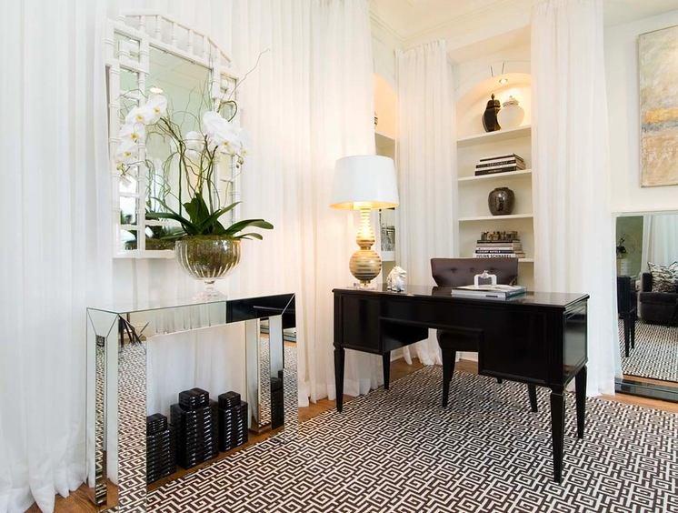 Гостиная, холл в цветах: светло-серый, белый, бежевый. Гостиная, холл в .