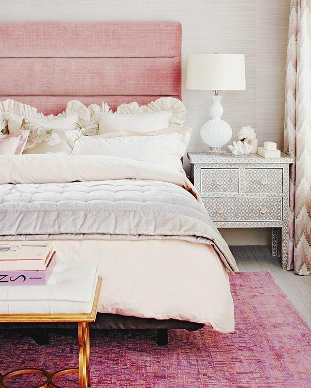 Мебель и предметы интерьера в цветах: желтый, серый, белый, бежевый. Мебель и предметы интерьера в стиле эклектика.