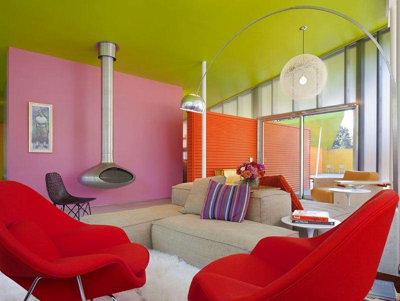 Мебель и предметы интерьера в цветах: светло-серый, бордовый, бежевый. Мебель и предметы интерьера в стилях: поп-арт.
