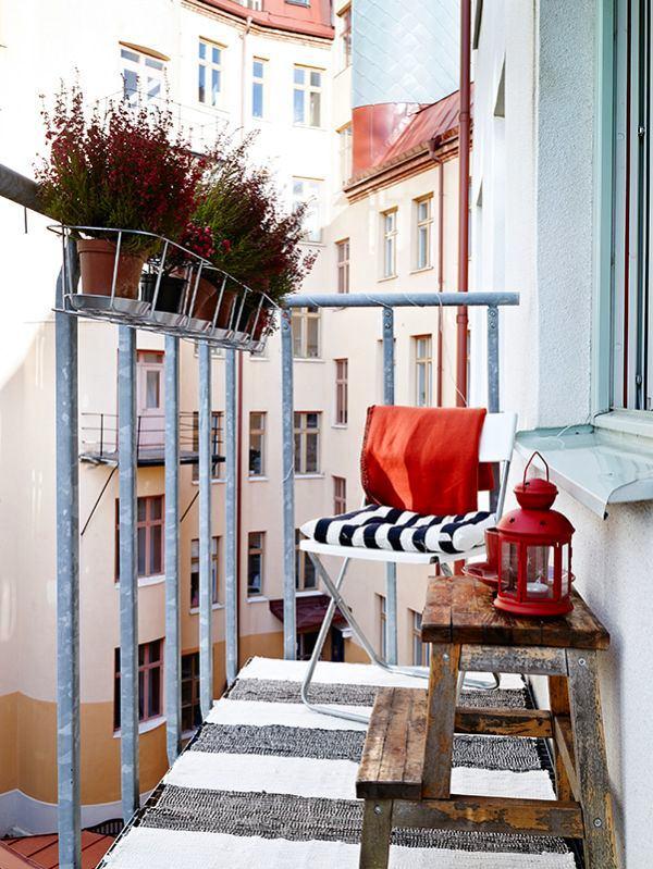 Балкон, веранда, патио в цветах: светло-серый, бордовый, бежевый. Балкон, веранда, патио в .