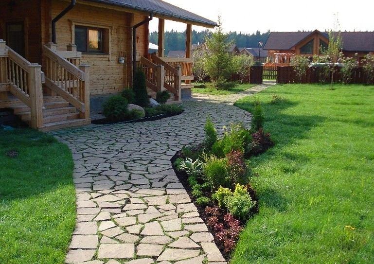 Ландшафт в цветах: серый, темно-зеленый, салатовый, бежевый. Ландшафт в стиле экологический стиль.