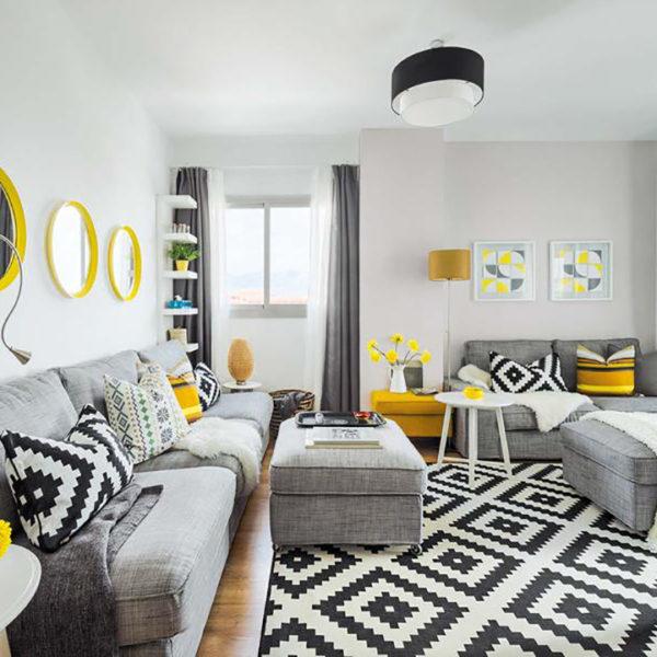 Accente vesele de galben, albastru și roșu într-un apartament din Malaga  1